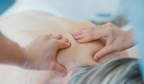 fisoterapia-maternatal-masaje